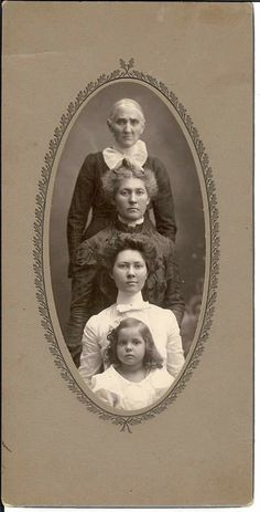 Antique Pictures, Historical Pictures, Old Pictures, Old Photos, Photographs Of People, Vintage Photographs, Vintage Images, Vintage Girls, Vintage Outfits