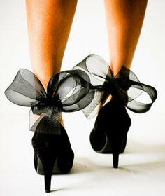 i wish I could wear heels :/