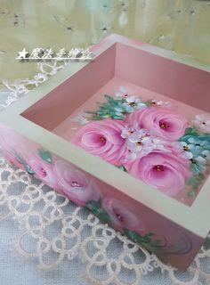傢飾彩繪★花卉風情 - 木盒彩繪 @ Ling 的相簿 :: 痞客邦 PIXNET ::