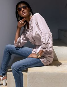 Light and airy tunic made of a stylish, semi-transparent blend of silk and cotton in a casual, loose-fitting cut. With sleeves and round neckline with slit. Tunic Blouse, Shirt Blouses, Kimono Top, Madeleine Fashion, Summer Sale, Denim Fashion, Lace Detail, Silver Color, Street Style