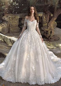 Dream Wedding Dresses Christmas Outfits Blush Bridal Wedding Invitation Wording For Friends Boutique Dresses For Wedding Guests Yoruba Traditional Wedding Attire 2019 White Lace Sleeveless Dress Wedding Dresses Photos, Princess Wedding Dresses, Long Wedding Dresses, Bridal Dresses, Bridesmaid Dresses, Prom Dresses, Long Sleeve Wedding, Wedding Dress Sleeves, Lace Sleeves