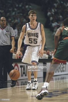 Jason Williams, Sacramento Kings, Basketball Pictures, Sports Images, Basketball Players, White Chocolate, Nba, Tank Man, Mens Tops