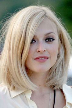 I want all my hair to grow out so I can have this hair.I adore Fearne cotton - such a style icon! Fearne Cotton Hair, Pretty Hairstyles, Straight Hairstyles, 60s Hairstyles, Virtual Hairstyles, Fashion Hairstyles, Medium Hairstyles, Mid Length Hair, Shoulder Length Hair