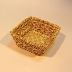 Нажмите на картинку чтобы закрыть окно Decorative Boxes, Weaving, Basket, Home Decor, Craft, Homemade Home Decor, Knitting, Knitting And Crocheting, Loom Weaving