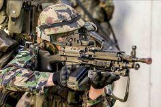 Grenadier with an LMG 05 Via: @pschmidli #swiss#swissarmy#swissarmedforce#swissairforce#airforce#suisse#schweiz#military#army#armee#armeesuisse#schweizerarmee#stolz#schweizerkreuz#soldat#soldier#polizei#AAD10#ARD10#DRA10#SF#SOF#tactical#taktisch #mighty_switzerland __________________________________________ Follow the Crew: @war.deutschland @pictureplatoon @mighty_earth @swiss_air_force @swiss_airforce_fan @worldwide_military_power @dutchmilitaryknows @oblivionlion