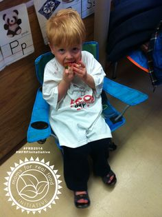 Little cutie devouring a strawberry! Real Moms, Fisher, Revolution, Strawberry, Good Things, Guys, Food, Meal, Eten