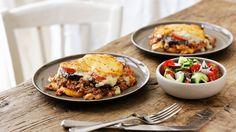 Ein griechischer Klassiker, der unbedingt probiert werden muss: Griechische Moussaka |http://eatsmarter.de/rezepte/griechische-moussaka-0