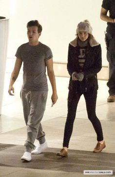 Eleanor Calder and Louis Tomlinson. I have to say, when i first say this pic i thought Eleanor was Harry...