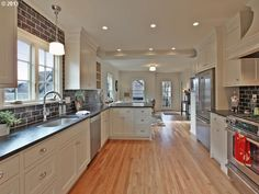 Kitchen And Dining Room Layouts - Galley Kitchen Peninsula With Seating