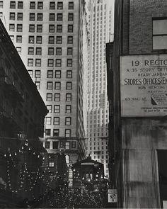 Berenice Abbott, New York, Rector Street Italian Festival, 1938 Nyc Pics, Berenice Abbott, Greenwich Village, East Village, Classic Italian, Gotham City, Street Photography, New York City, Skyscraper