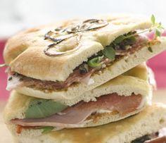 Sandwich med skinke og tomatpesto