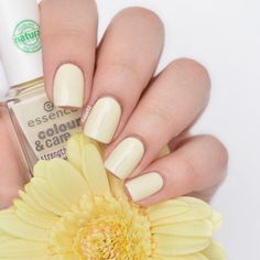 essence colour & care strengthening nail polish 04 lean on me