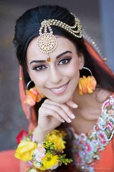 tikka maang gold by Lady D Weddings - More here: http://www.indianweddingsite.com/10-maang-tikka-jhoomar-looks/