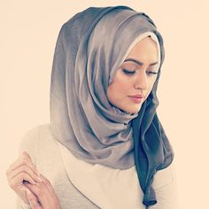 Love this style of hijab. Super voluminous and who doesn't love volume?