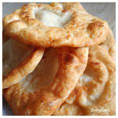 Kovászos lángos | Betty hobbi konyhája Onion Rings, Hobbit, Ethnic Recipes, Food, Breads, Bread Rolls, Essen, Bread, Meals