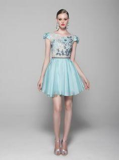 Vestido Cosh tecido organza, renda e tule com bordado na cor aqua - sale-vestidos-curtos-vestido-cosh-tecido-organza-renda-e-tule-com-bordado-na-cor-aqua Cosh - Detalhes de Produto