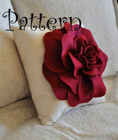 DIY felt rose pillow