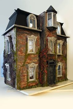 Jenspec - Scary Skilcraft Detroit Victorian - Gallery - The Greenleaf Miniature Community
