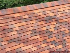 #Dacheindeckung mit Charakter aus #Ton gebrannt Texture, Violet Brown, Haus, Architectural Materials, France, Clay, Handmade, Surface Finish