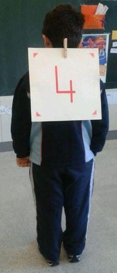 Seguim EntusiasMats  amb les matemàtiques, jugant i jugant mentre aprenem. Aquesta vegada hem fet un joc en el que l'oïda és la...