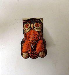 Vintage 1940s US METAL TOY MFG. Co. OWL HALLOWEEN CLICKER CRICKET