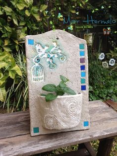 Tile Crafts, Concrete Crafts, Clay Crafts, Classroom Art Projects, Clay Art Projects, Pasta Piedra, Clay Christmas Decorations, Cement Art, Barn Wood Crafts