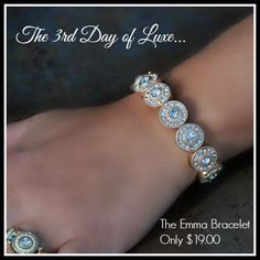 Another fab deal from LUXE Auctions! Check out their 12 Days of Luxe Sales. The 7th Day of Luxe auction starts tonight at 9pm.