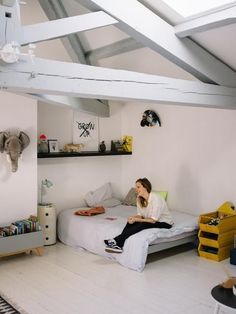 Bordeaux : Chez Aude, La Toupie inspiration for a teen's bedroom