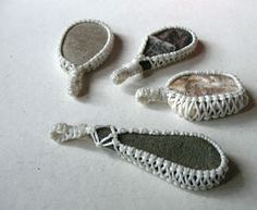 Ecocrafta: Macrame wrapping : Lace style. There's even a link on how to make the hold