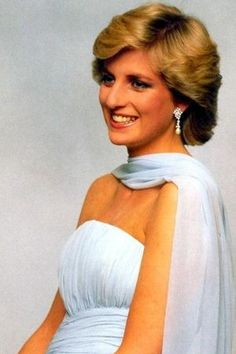 Diana,during a portrait in an ice-blue chiffon dress,very elegant,in 1987