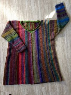 Ravelry is a community site, an organizational tool, and a yarn & pattern database for knitters and crocheters. Stitch Patterns, Knitting Patterns, Yarn Crafts, Lana, Pullover, Ravelry, Needlecrafts, Quilts, Boho