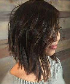 Elegant Layered Angled Bob Hairstyles 2018 for Women With Thin Hair
