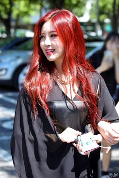 I love her red hair Kpop Girl Groups, Korean Girl Groups, Kpop Girls, Peinados Pin Up, Soyeon, Celebs, Celebrities, Our Girl, Short Girls