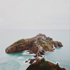disocover basque country and the beautiful island of gastelugatxe in spain
