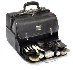 Hersteller: August Sirk, Toilettetasche für Herren (19  Teile) um 1900 Hairdresser, Old Things, Deep, Bags, Dime Bags, Handbags, Lv Bags, Purses, Bag