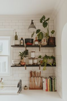 – A mix of mid-century modern, bohemian, and industrial interior style. Home and… – A mix of mid-century modern, bohemian, and industrial interior style. Home [. Retro Home Decor, Home Decor Kitchen, Home Kitchens, Kitchen Dining, Room Kitchen, Dining Room, Kitchen Plants, Bohemian Kitchen Decor, Kitchen Corner