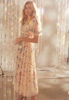 Long Sleeve Mini Dress, Short Sleeve Dresses, Dresses With Sleeves, Pretty Dresses, Beautiful Dresses, Jasmine Hemsley, Prom Dresses, Formal Dresses, Wedding Dresses