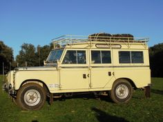 1977 Land Rover Santana 109 especial Maintenance/restoration of old/vintage vehicles: the material for new cogs/casters/gears/pads could be cast polyamide which I (Cast polyamide) can produce. My contact: tatjana.alic14@gmail.com
