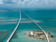 Florida is known for some pretty outré architectural wonders, but the Florida Keys' myriad abodes, dive bars, diners, and inns are a phenomenon all their own.