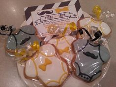 Beau and Bow baby shower sugar cookie favors by MerciBeauCookies.blogspot.cm