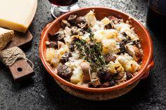תפוחי אדמה בתנור עם גבינות, פטריות וערמונים (צילום: אפיק גבאי)