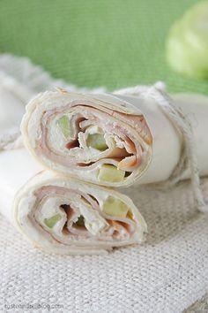 Cucumber Ranch Turkey Tortilla Wrap Recipe // healthy lunch ideas @5dollardinners