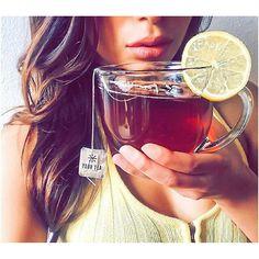 The lovely @misskrislian enjoying her cup of Tiny Tea!  #yourtea #tinytea #tinyteatox #bloating #energy #organic #nourish #herbal #teatox #chinesemedicine #glutenfree #natural #cellulite #digestion #fluidretention #skin
