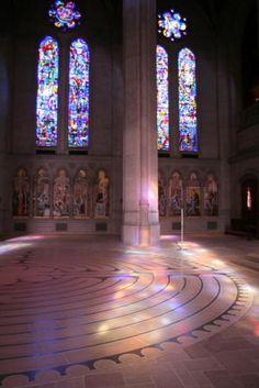 Labyrinth Maze:  Grace Cathedral #Labyrinth, San Francisco, California, USA.