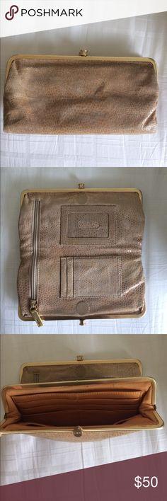 Neutral Hobo Wallet! Neutral Hobo wallet. HOBO Bags Wallets