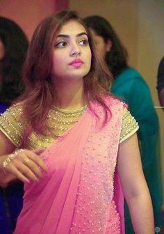 Pretty Nazriya Nazim ❤️❤️ Saree Blouse Neck Designs, Saree Blouse Patterns, Fancy Blouse Designs, Bridal Blouse Designs, Trendy Sarees, Stylish Sarees, Fancy Sarees, Designer Sarees Wedding, Plain Saree