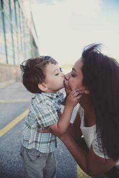#family #photo #photography #kids #boys #mom #son #kiss