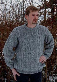 Sweater i strukturstrik med snoninger fra Hjelholt 2014