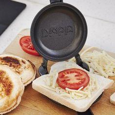 Uncrustable toaster