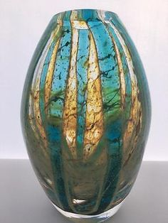 """A stunning Vintage Mdina Glass Vase In the """"Blue Crystal"""" pattern. 16.5cm tall."""